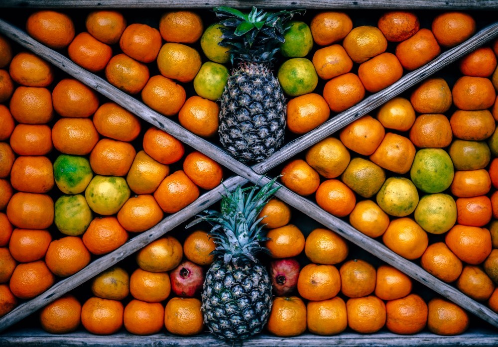 Colorful-Fruit-Carefully-Arranged-in-a-Crate