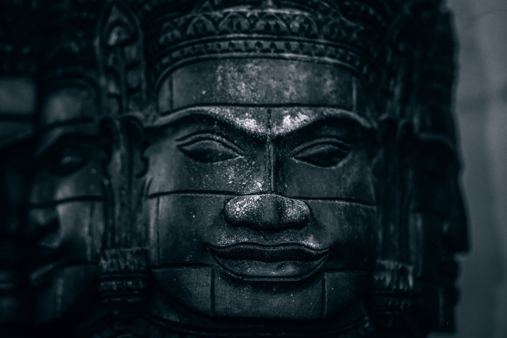 Unique-Wooden-Head-Statue-of-Buddha
