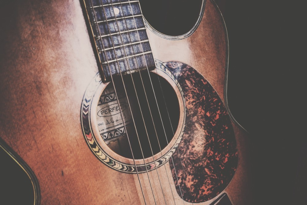Close-up-Shot-of-a-Vintage-Guitar