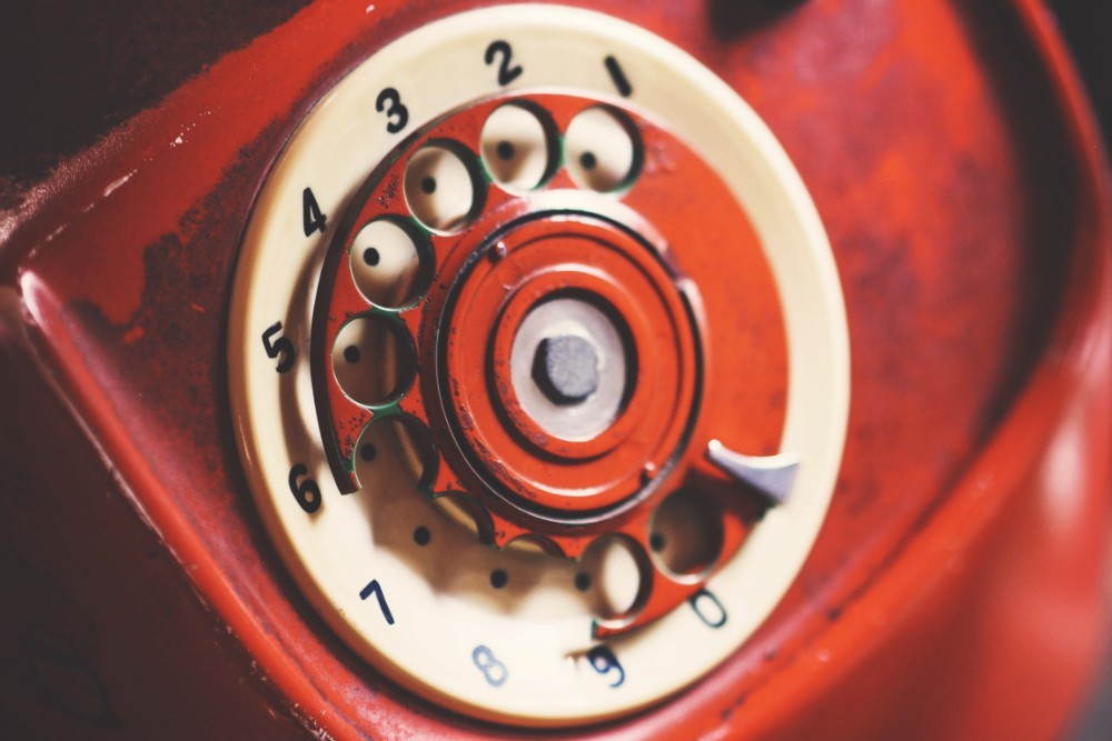 Close-up-Shot-of-a-Vintage-Rotary-Phone-Dial