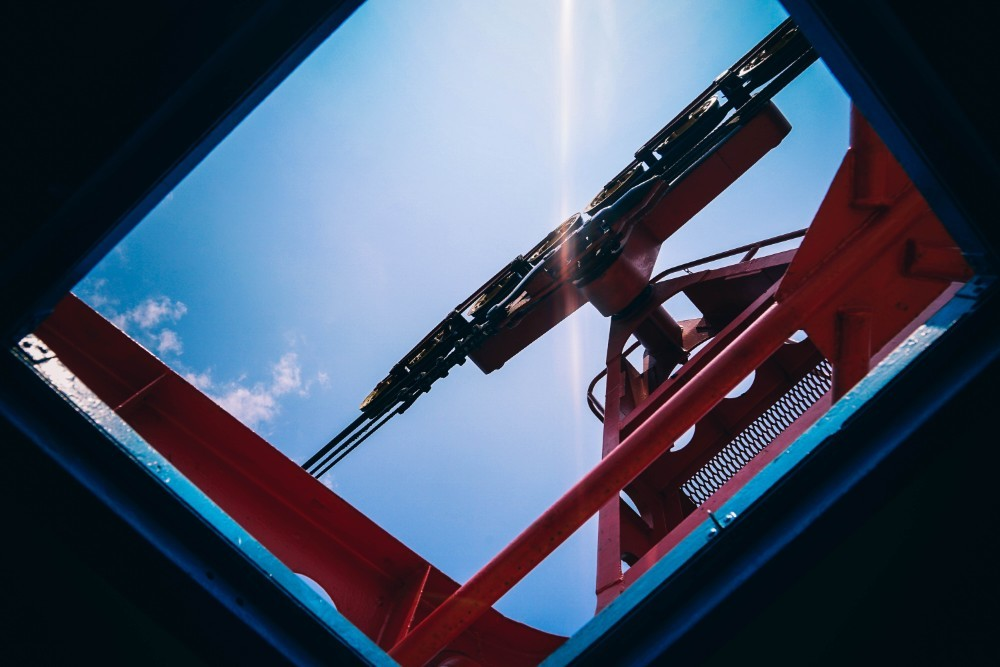 Upwards-View-of-a-Red-Roller-Mechanism