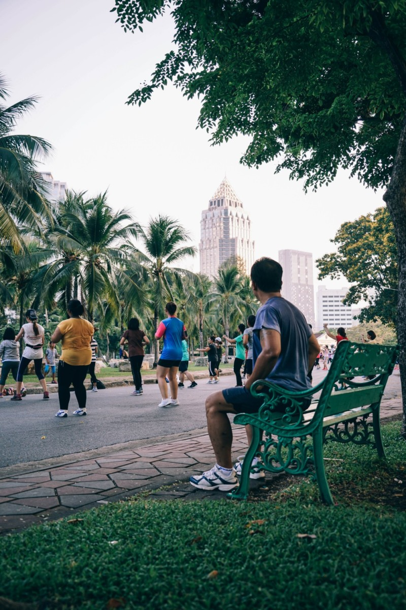 Aerobic-Group-Exercising-in-Lumphini-Park-Bangkok