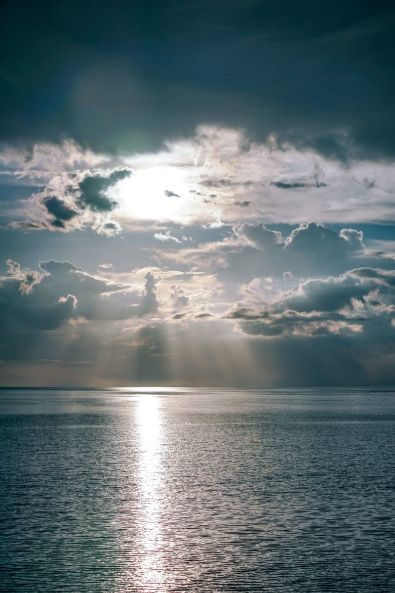 Sun-Shining-in-the-Sea-Through-Dense-Clouds