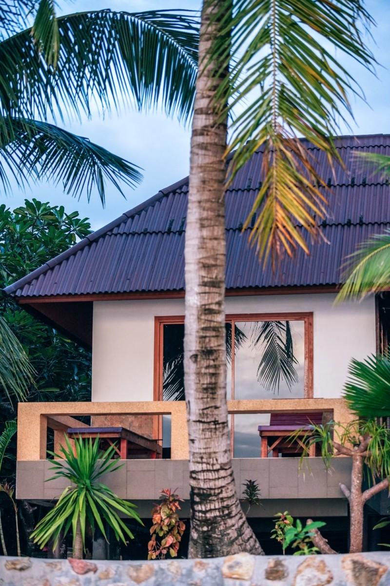 Tropical-Beach-Resort-in-Koh-Phangan