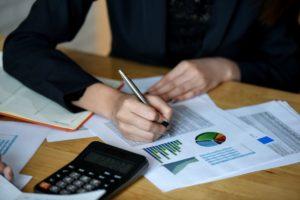 office staff analyze marketing data on the office LYPAWU