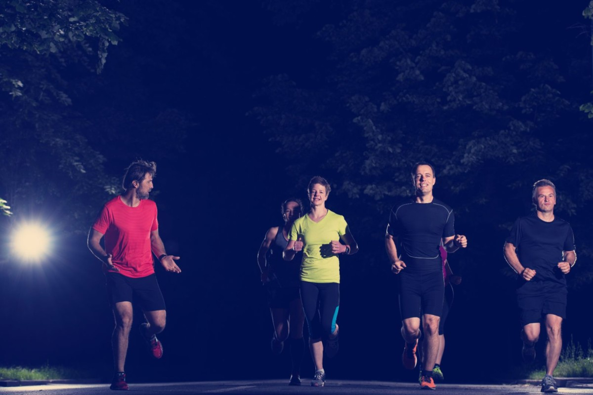 runners team on the night training UKTWZE