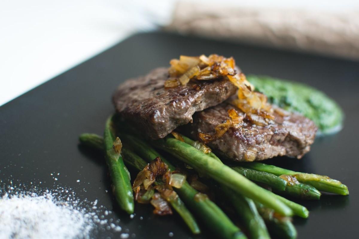 grilled sirloin steak with bean pods PYTSJ