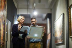 art curators in museum VRMYS