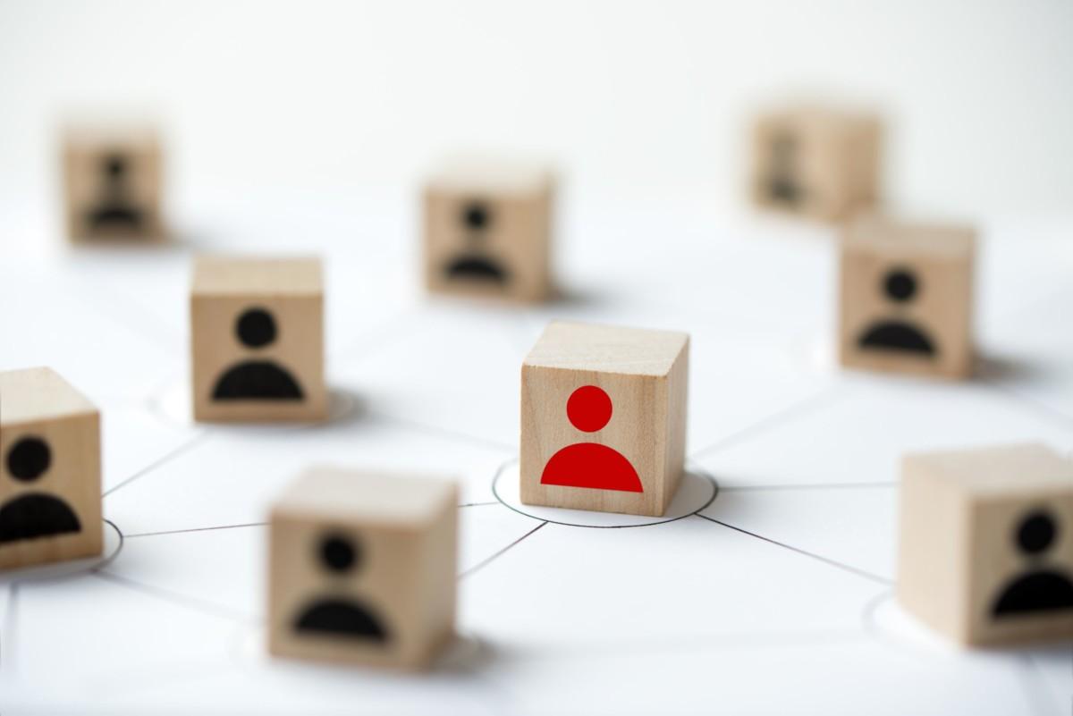 social-media-network-concept-using-icon-people-68SMEJ2