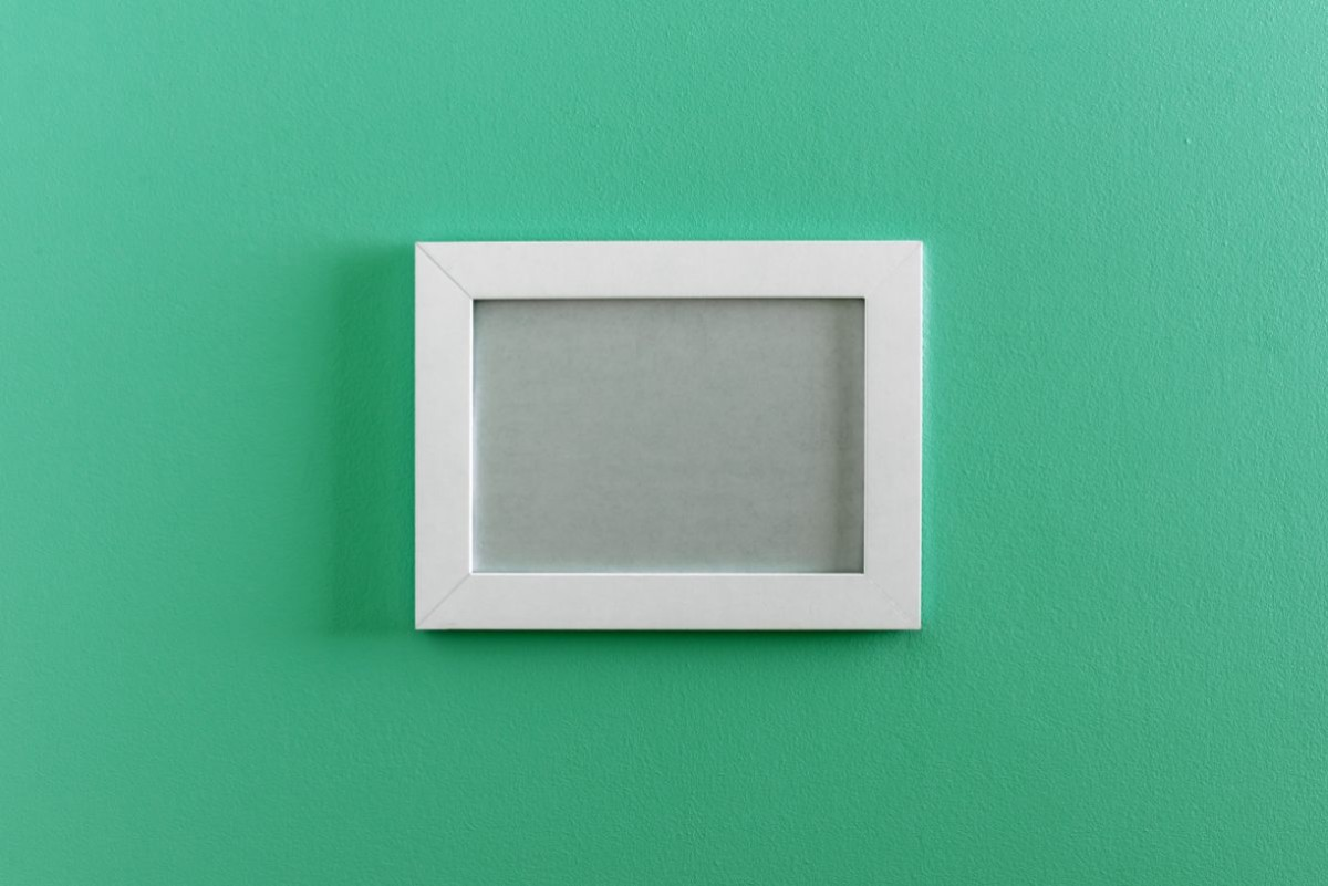 frame-on-wall-PXX4LXF