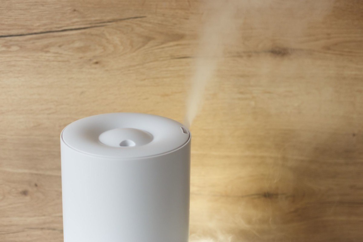 humidifier spreading steam into the living room WFDL