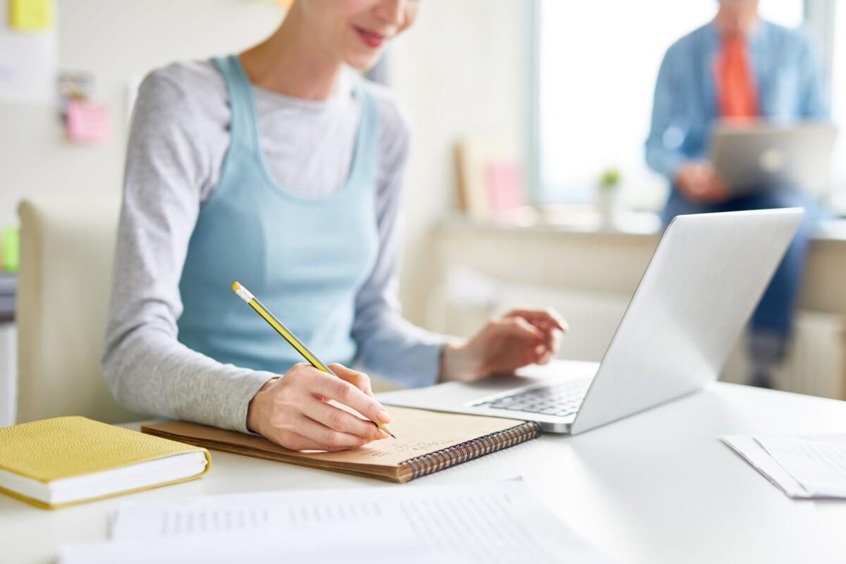 woman-doing-homework
