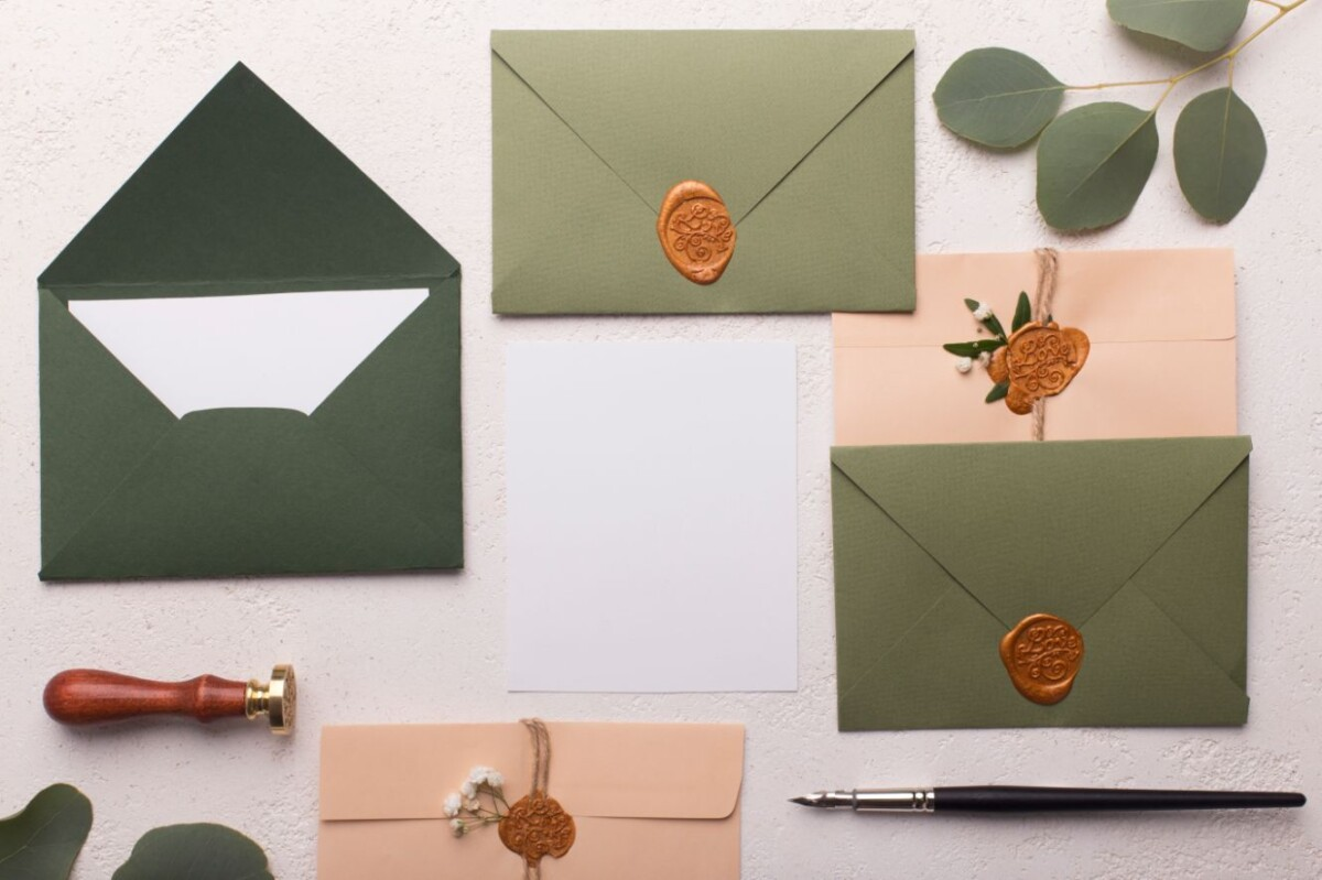eco paper envelopes with love letters or invitatio ynkr