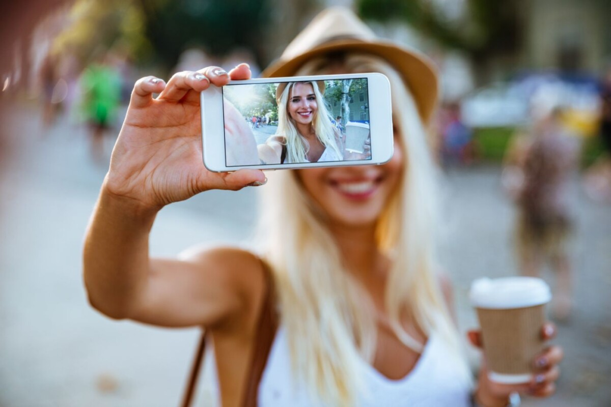 How To Take The Best Travel Selfies When You Travel Alone