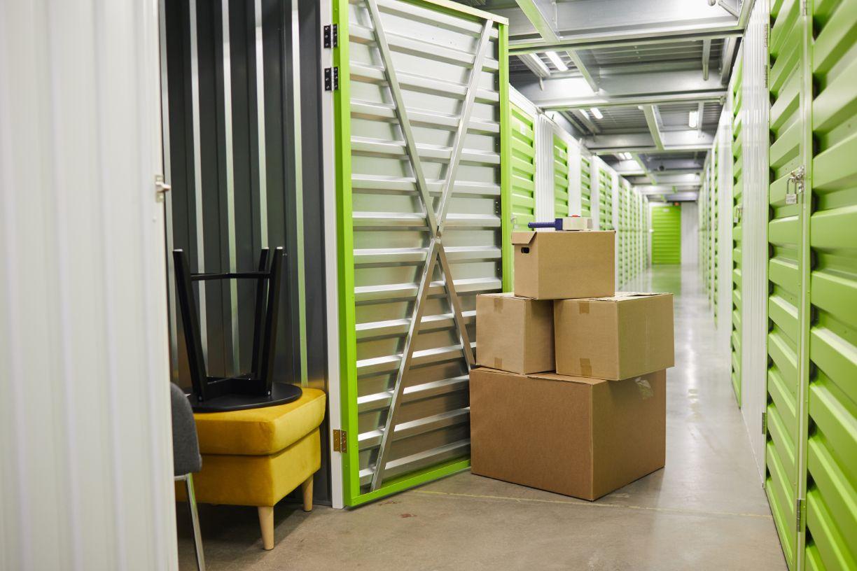 boxes in storage unit UDLU