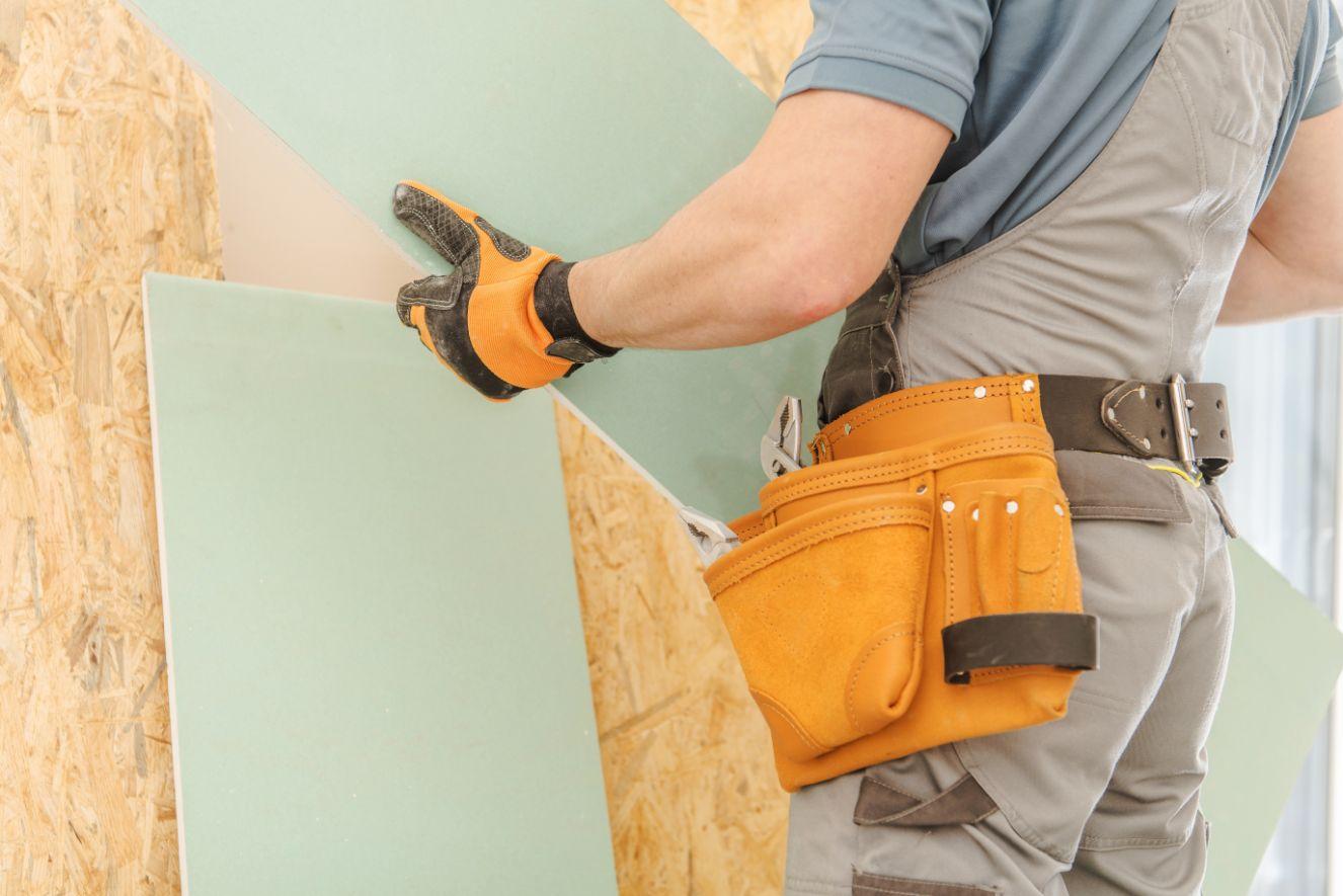 house remodeling worker PRTHL