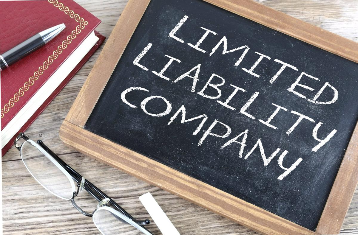 Difference and Benefits of an LLC and Corporation